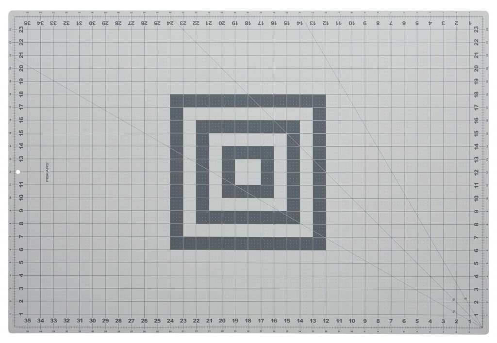 Self healing cutting mat for building architecture models