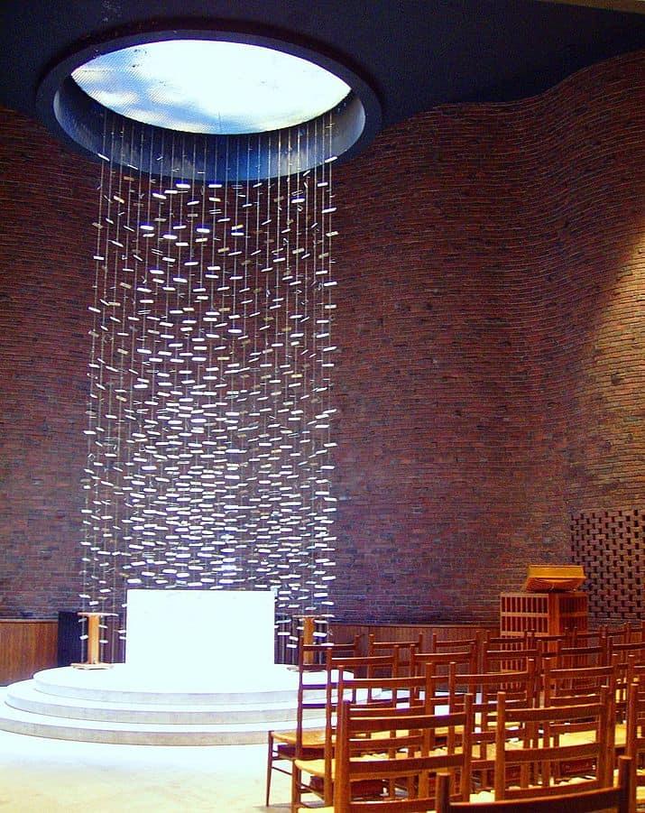 715px-MIT_Chapel,_Cambridge,_Massachusetts_-_interior