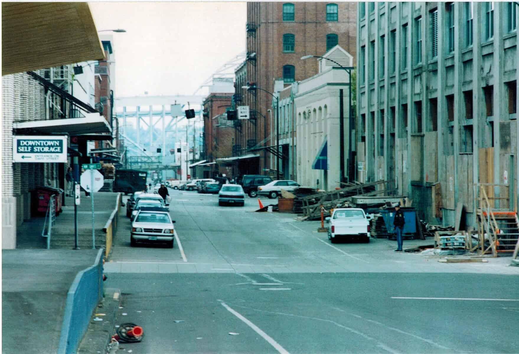 NW 13th and Davis ....from 1999! #wiedenkennedy #portlandarchitecture #positivelyportland #portlandoregon #freemontbridge #nwportland #pearldistrict #oregonarchitecture #1999