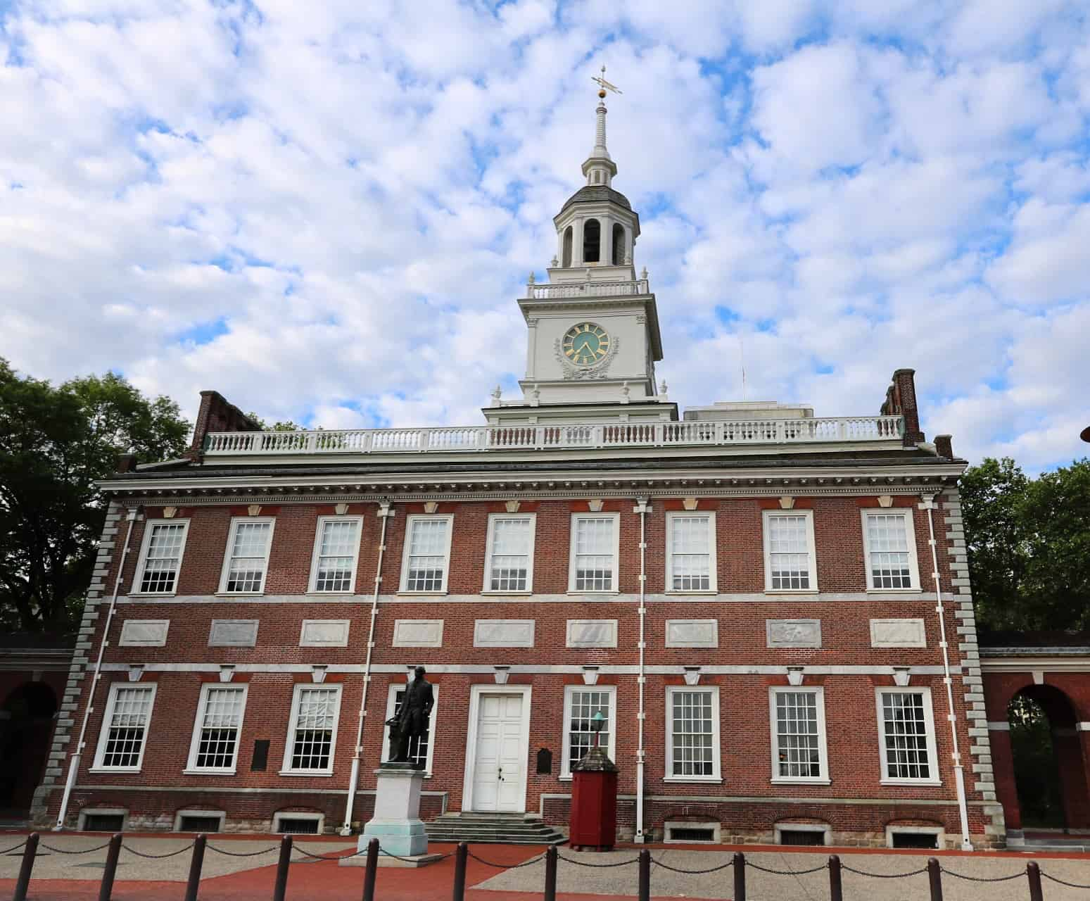 """""""I can't believe you walked right by Independence Hall and didn't even look at it."""" #aiacon16"""