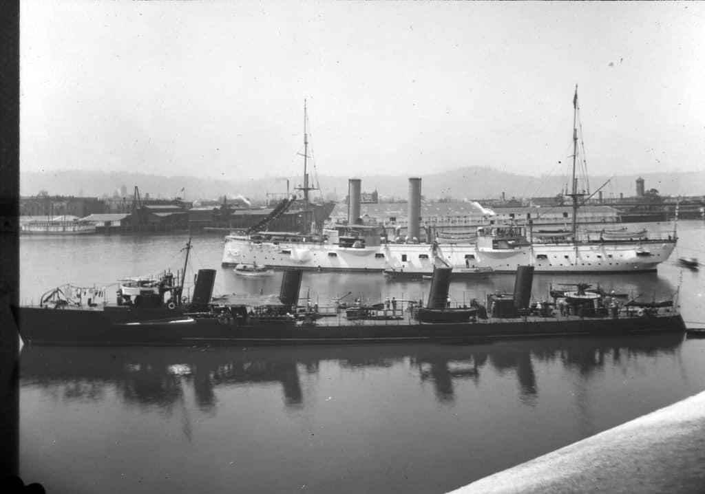 15-Navy ships in Guild's Lake