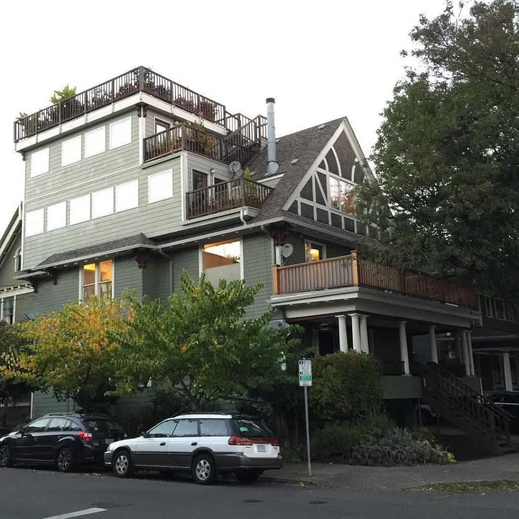 House turned into an apartment complex in Portland