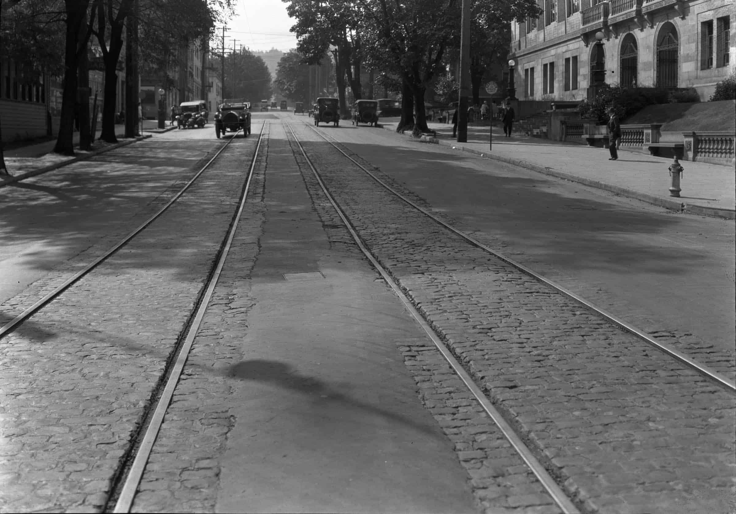 SW 10th and Yamhill 1921